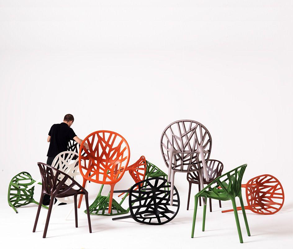 Ronan and Erwan Bouroullec, 2008 Bij de nieuwe stoel Vegetal lieten Ronan en Erwan Bouroullec zich net als bij de Algues inspireren door vormen uit het plantenrijk.