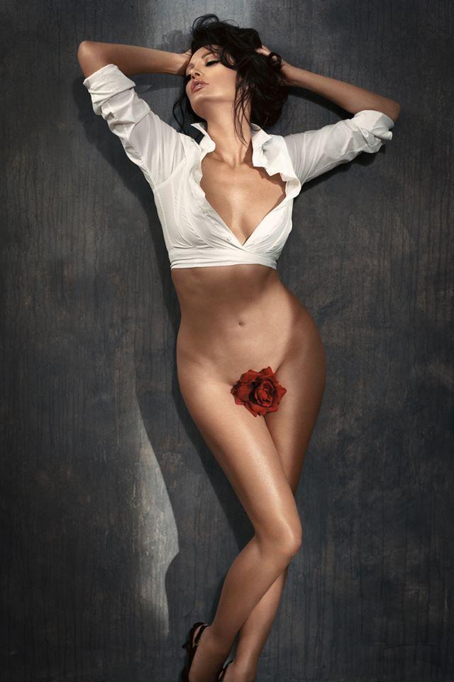 young-nudist-albanian-girl-erotic-photo-sucking