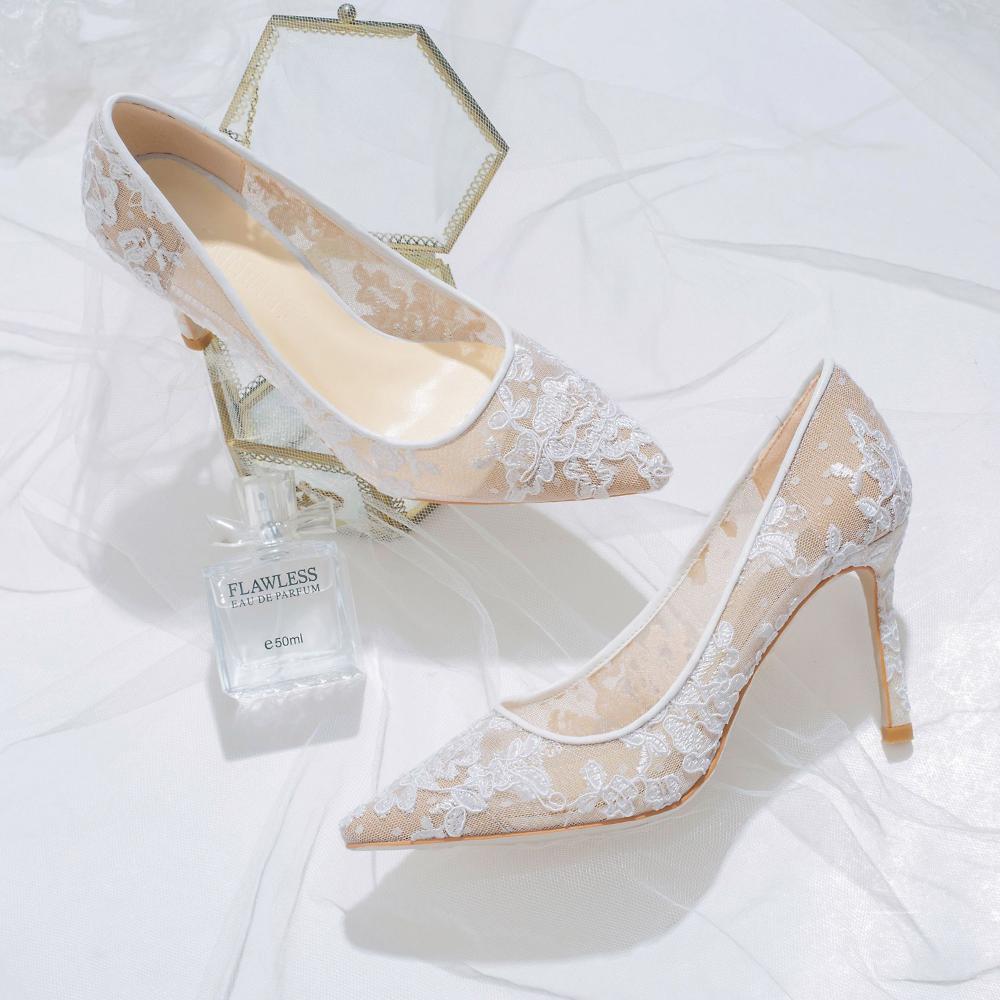 Stylowe Modne Kosc Sloniowa Buty Slubne 2019 Skorzany Z Koronki Kwiat 8 Cm Szpilki Szpiczaste Slub Czolenka Leather Wedding Shoes Flower Wedding Shoes Stiletto Heels