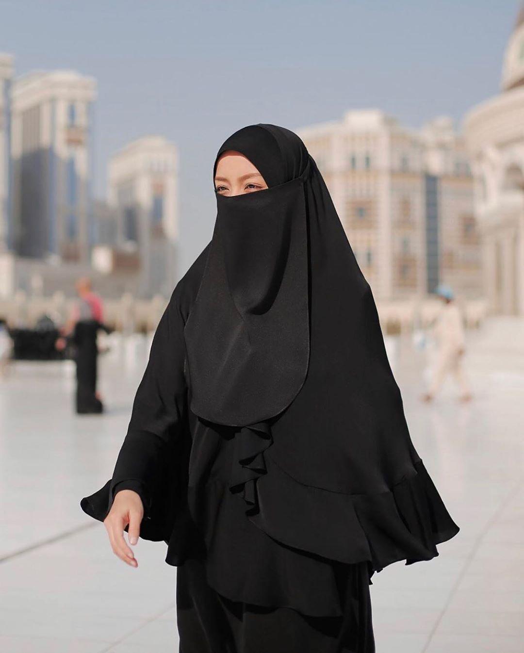 Rosshairaa Official Di Instagram Menegur Cara Sunnah Adalah Menegur Dengan Cara Berhikmah Hikmah Bukan Bermaksud B Wanita Model Pakaian Hijab Model Pakaian