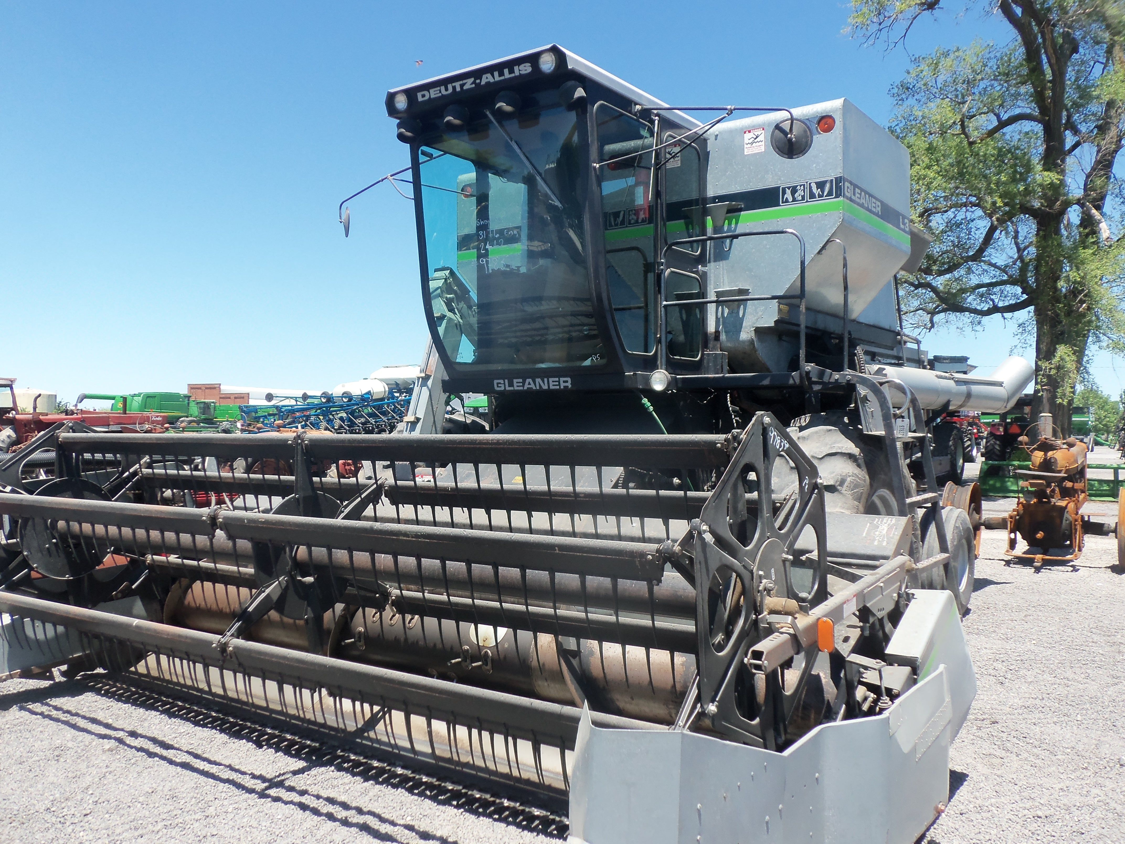 Gleaner L3 combine @ Mowreys Auction yard | Gleaner Combines