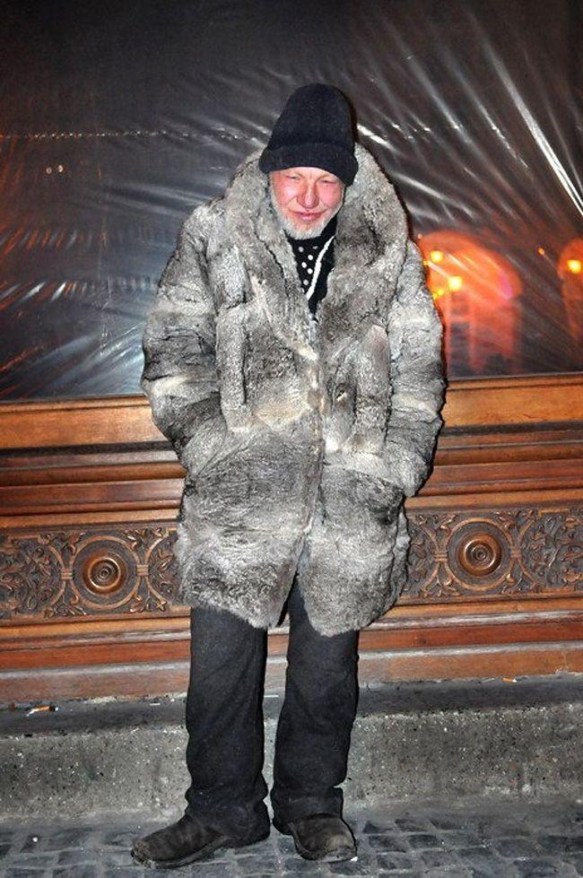 The Most Fashionable Homeless Man In Ukraine Fashion Fashion Documents Apocalypse Costume
