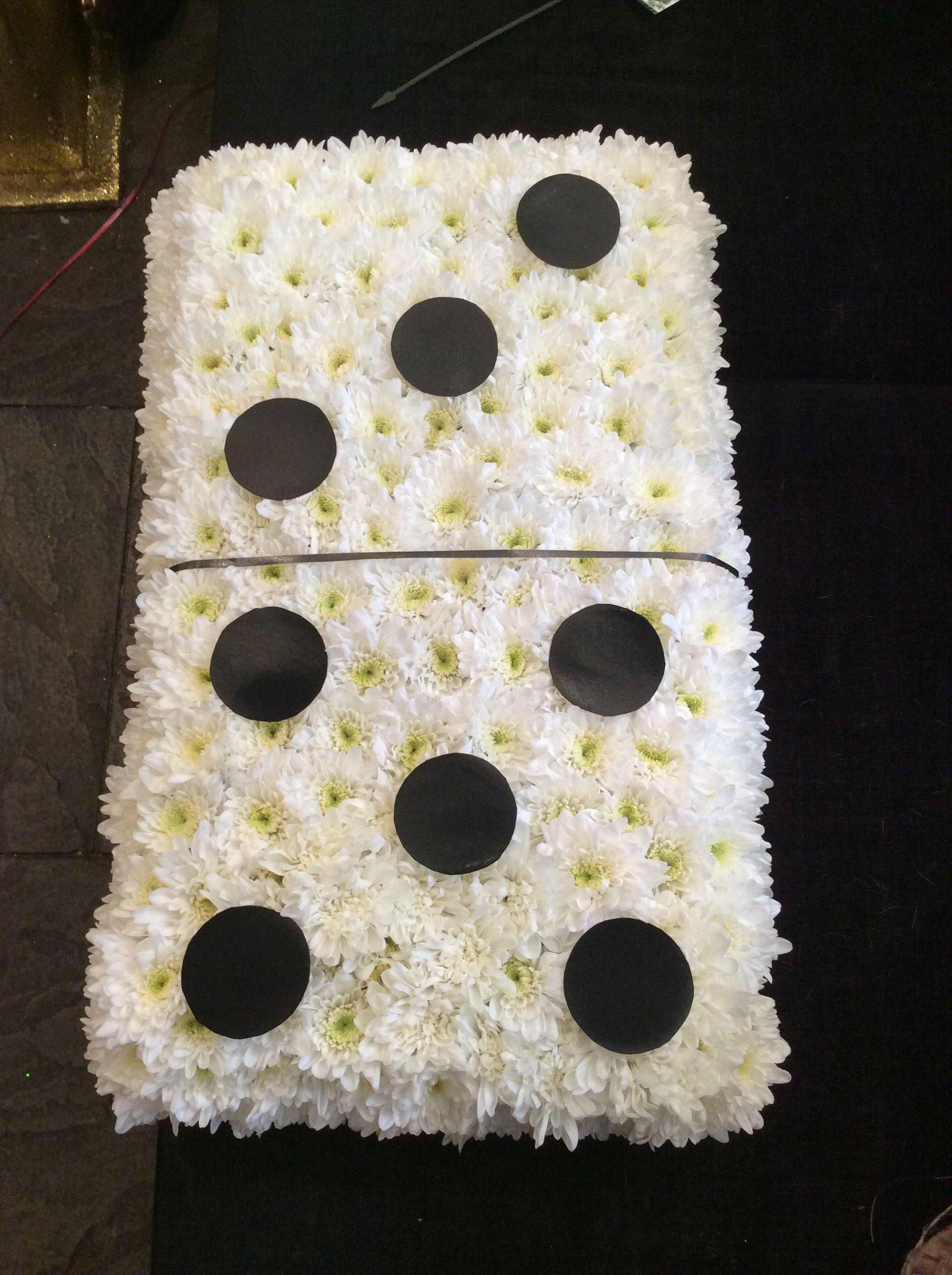 Domino Funeral Tribute Alınacak Şeyler Flowers