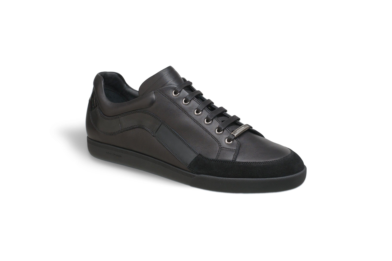 Black leather sneakers - Shoes Dior Dior Homme, Baskets En Cuir Noir,  Chaussures Décontractées b76940f2a24