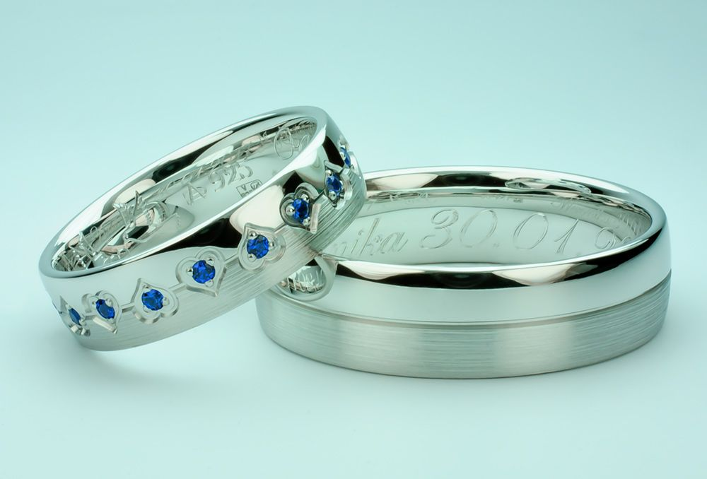 e09034de83cb Przepiękne klasyczne srebrne obrączki wykonane przez firmę Eminence.  Obrączki klasyczne przyozdobione delikatnymi serduszkami. Dodatkowo