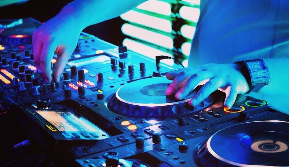 Do You Need A Reliable & Affordable DJ For Your Event? The DJ Link