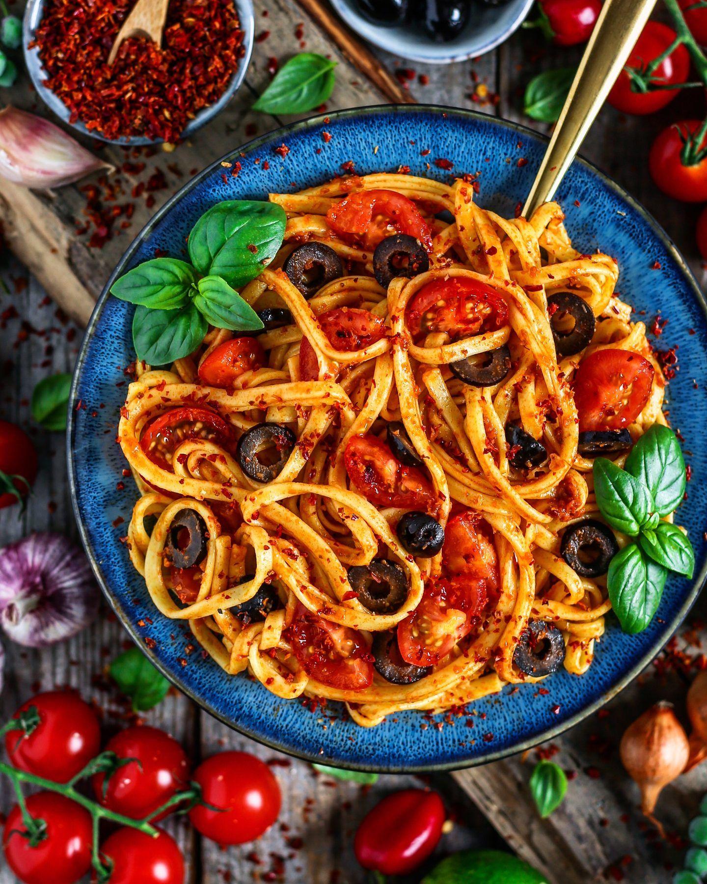 Garlic Tomato Cashew Linguine With Olives Bianca Zapatka Recipes Linguine Sweet Potato Quesadilla Vegan Sweet Potato
