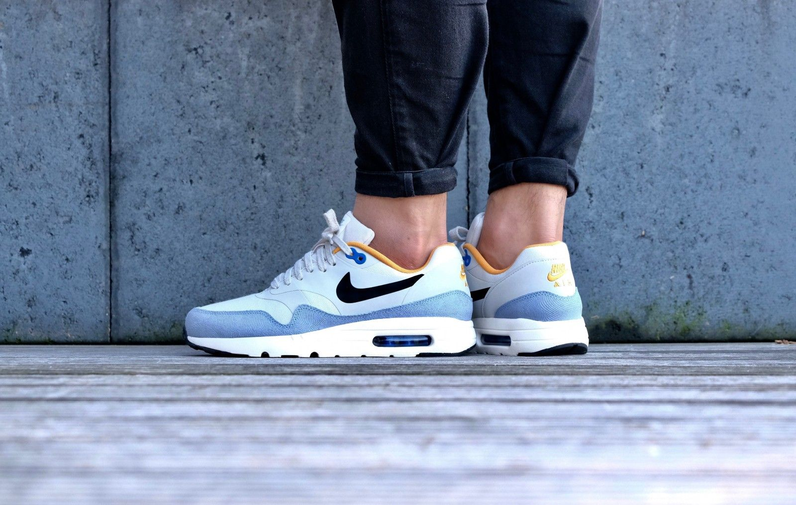 online retailer f9f50 b85a1 Nike Air Max 1 Ultra Essential Light Bone Black-Bluecap-Sail - 819476