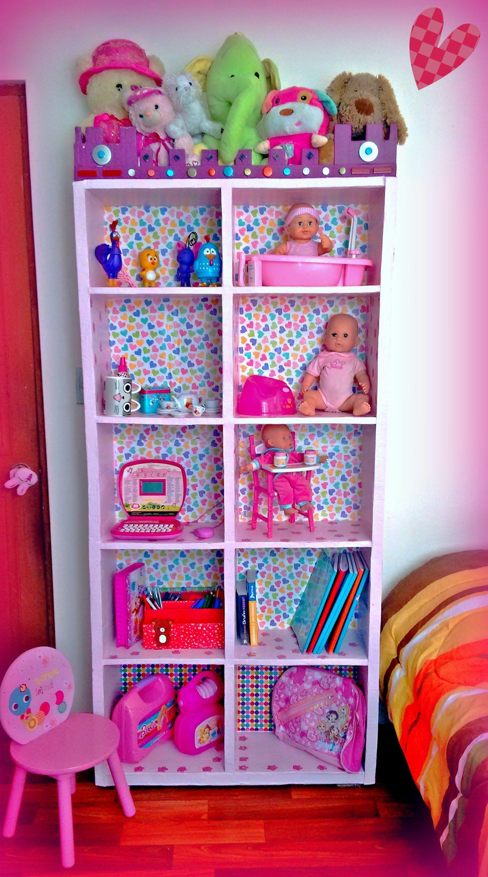 Mueble organizador para juguete hecho de cart n casa de for Mueble organizador