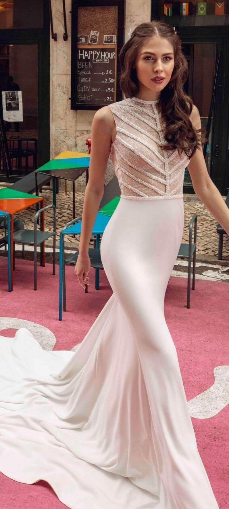 Sleeveless embellishment simple fit and flare wedding dress