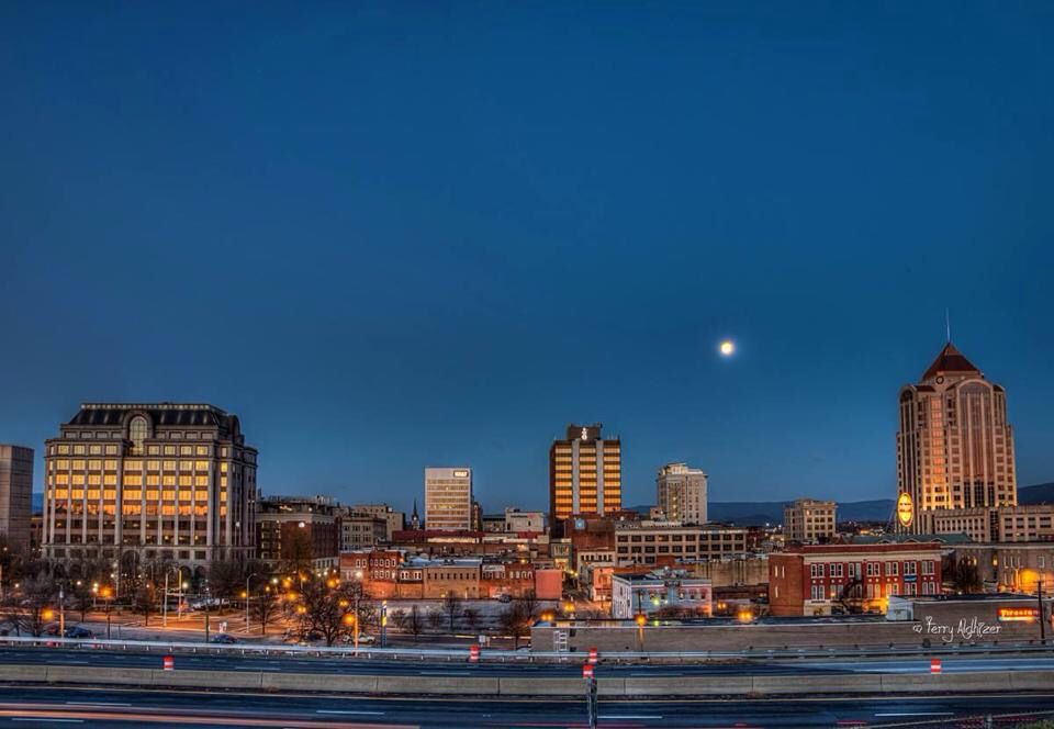 Moon Over Roanoke Va Roanoke Virginia Roanoke Va Roanoke