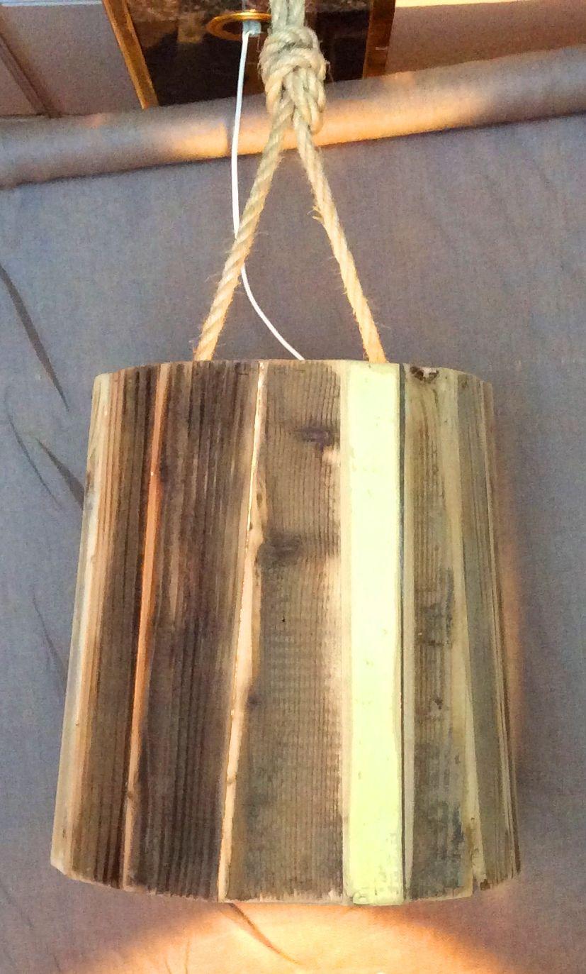 design hanglamp van gerecycled hout. In meerdere maten te maken.
