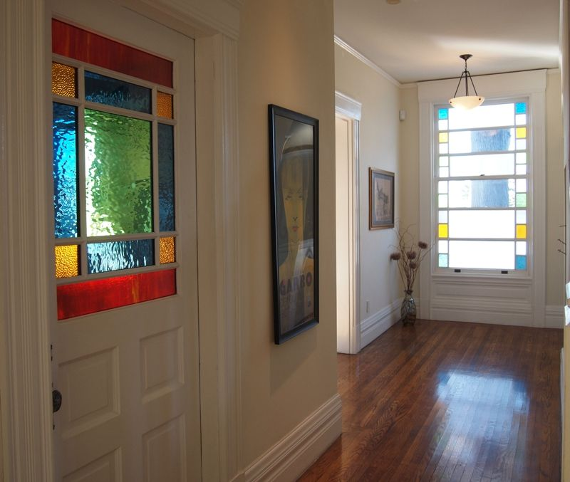 San Francisco Victorian With Beautifully Restored Stained Glass