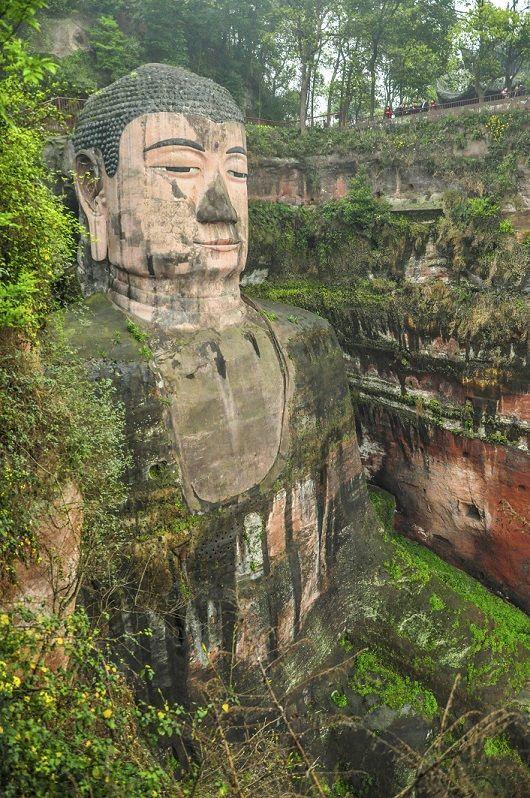 El Buda de Leshan es la estatua de piedra más impresionante y más - bao de piedra