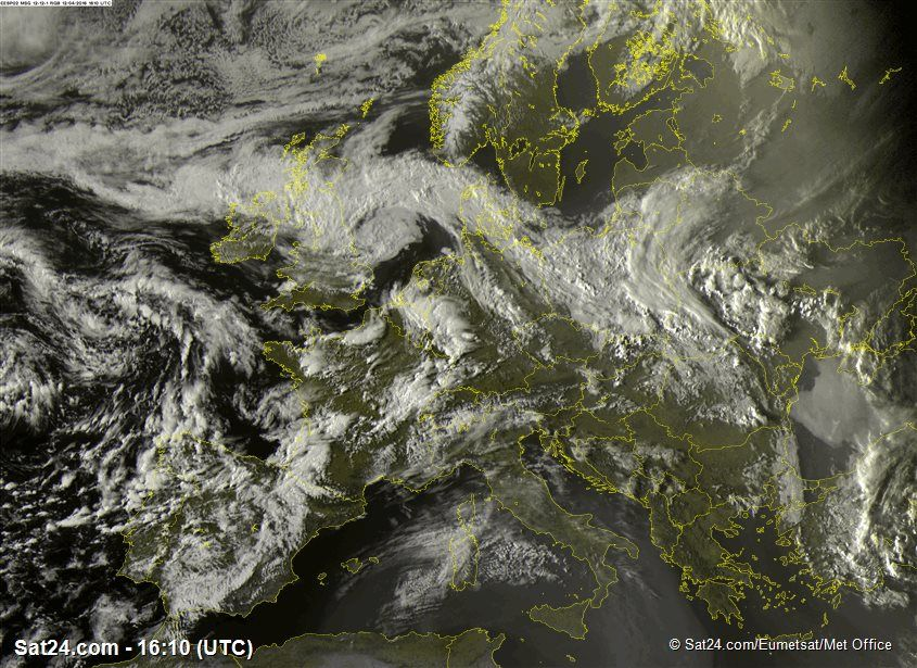 satellite weather map europe Infrared satellite images of Europe, Clouds in Europe at night and