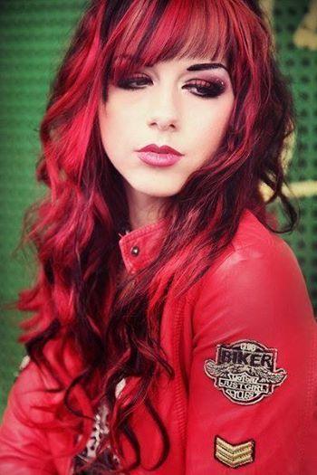 Ombre cheveux coloration du noir au rouge