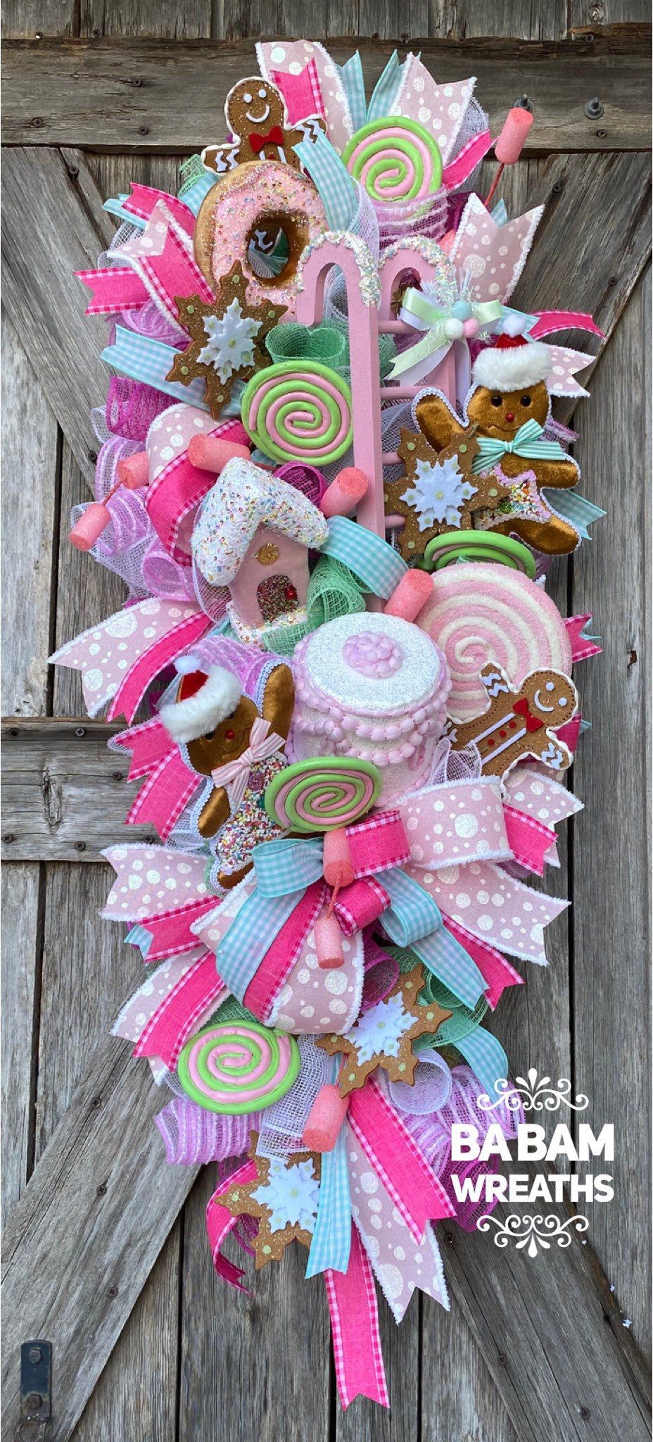 Photo of Gingerbread Wreath, Candy Christmas, Pink Christmas Decor, Classic Christmas, Christmas Swag, Christmas Wreath