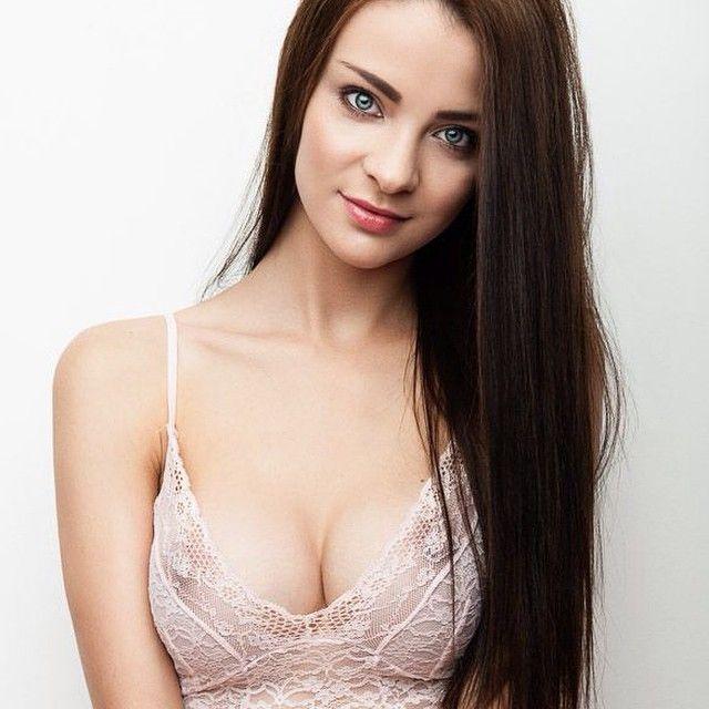Emelia Paige Nude Photos 42