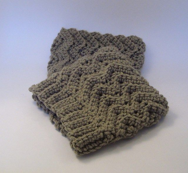 Simple Waves Boot Cuffs Free Crochet Pattern | tejido/telas ...