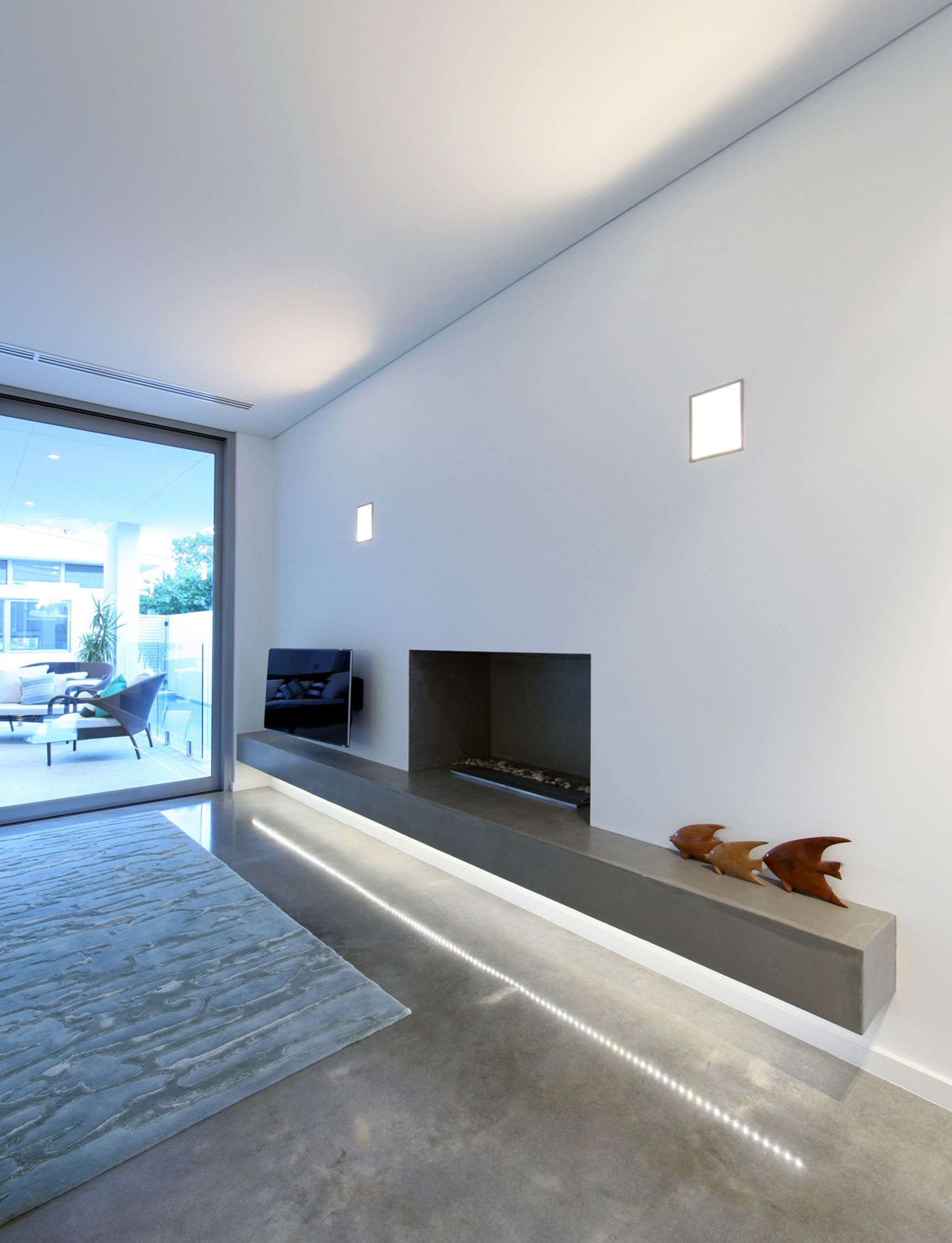 Plinth floor polyurethane - a modern solution for interior decoration