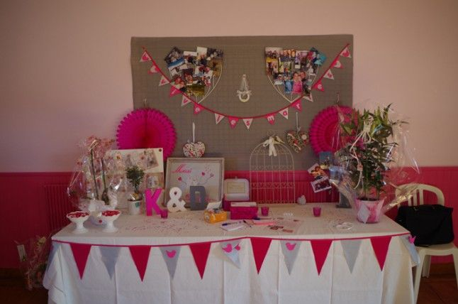 Le mariage cr atif de katy en gris et fuchsia avec des - Deco table rose gris ...