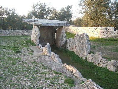 """Dolmen della """"Chianca"""", Bisceglie, Bari-Puglia IT. Età del Bronzo ( III millennio a. C.)"""