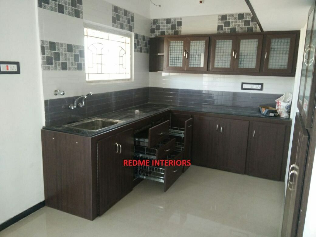 Redme Interiors Are The Experienced Interior Designers In Coimbatore We Are Specializing In Residen Modular Kitchen Cabinets Kitchen Cabinet Design Aluminum Kitchen Cabinets