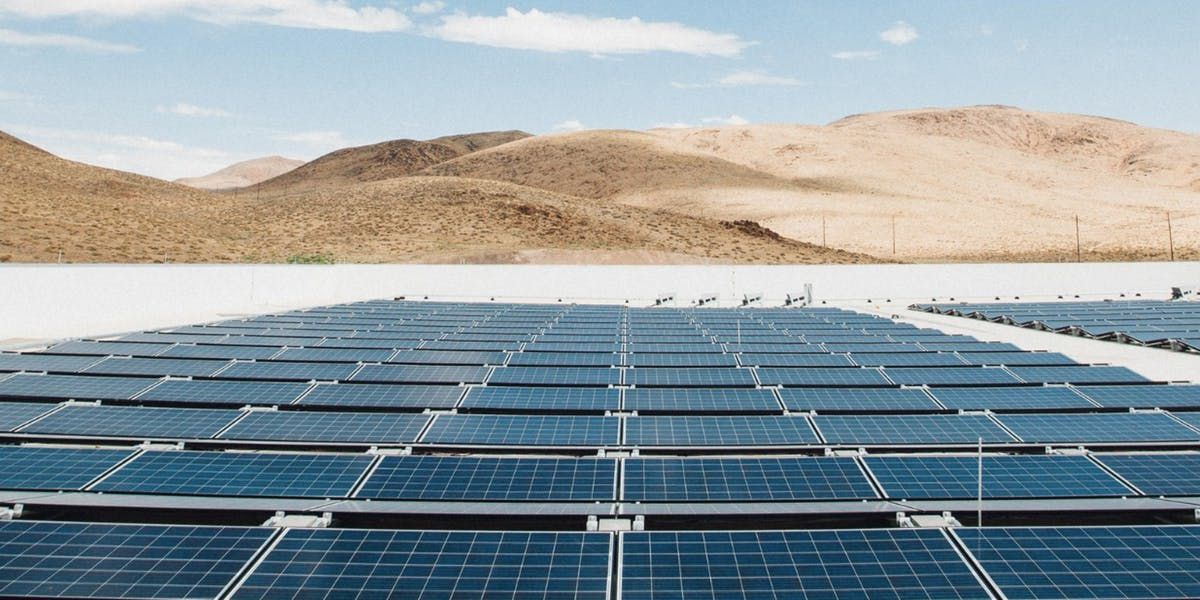 Tesla Shares Image Of The Massive Solar Panels Powering Its Gigafactory Solar Panels Solar Energy Diy Solar Energy Panels