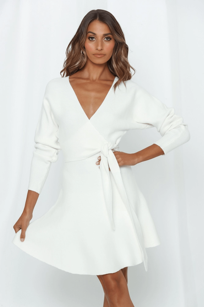 White Long Sleeve Mini Dresses Fabulous Looks That Inspire In 2020 Mini Dress With Sleeves Ladies Mini Dresses White Long Sleeve Mini Dress
