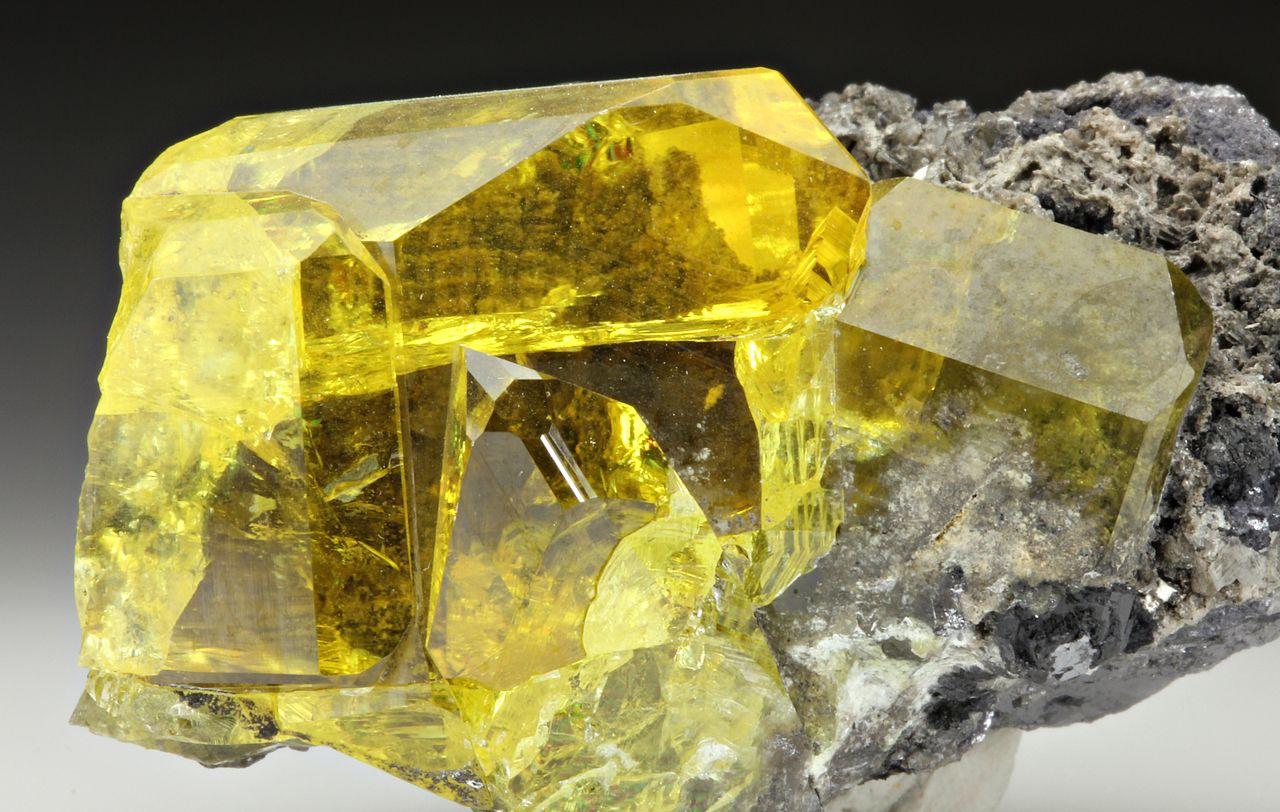 硫酸鉛鉱(アングレサイト):Anglesite :