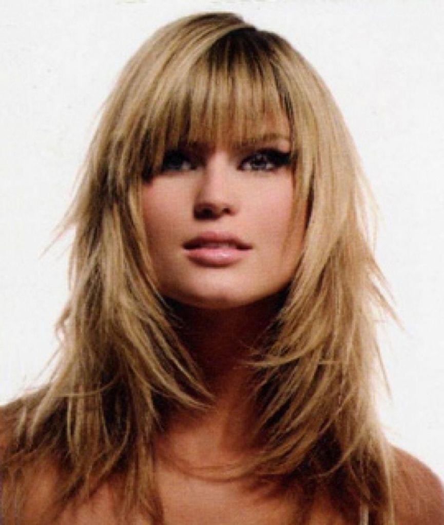Lange Frisur Mit Fransen Und Schichten Layered Hair With Bangs Long Hair With Bangs Layered Haircuts With Bangs