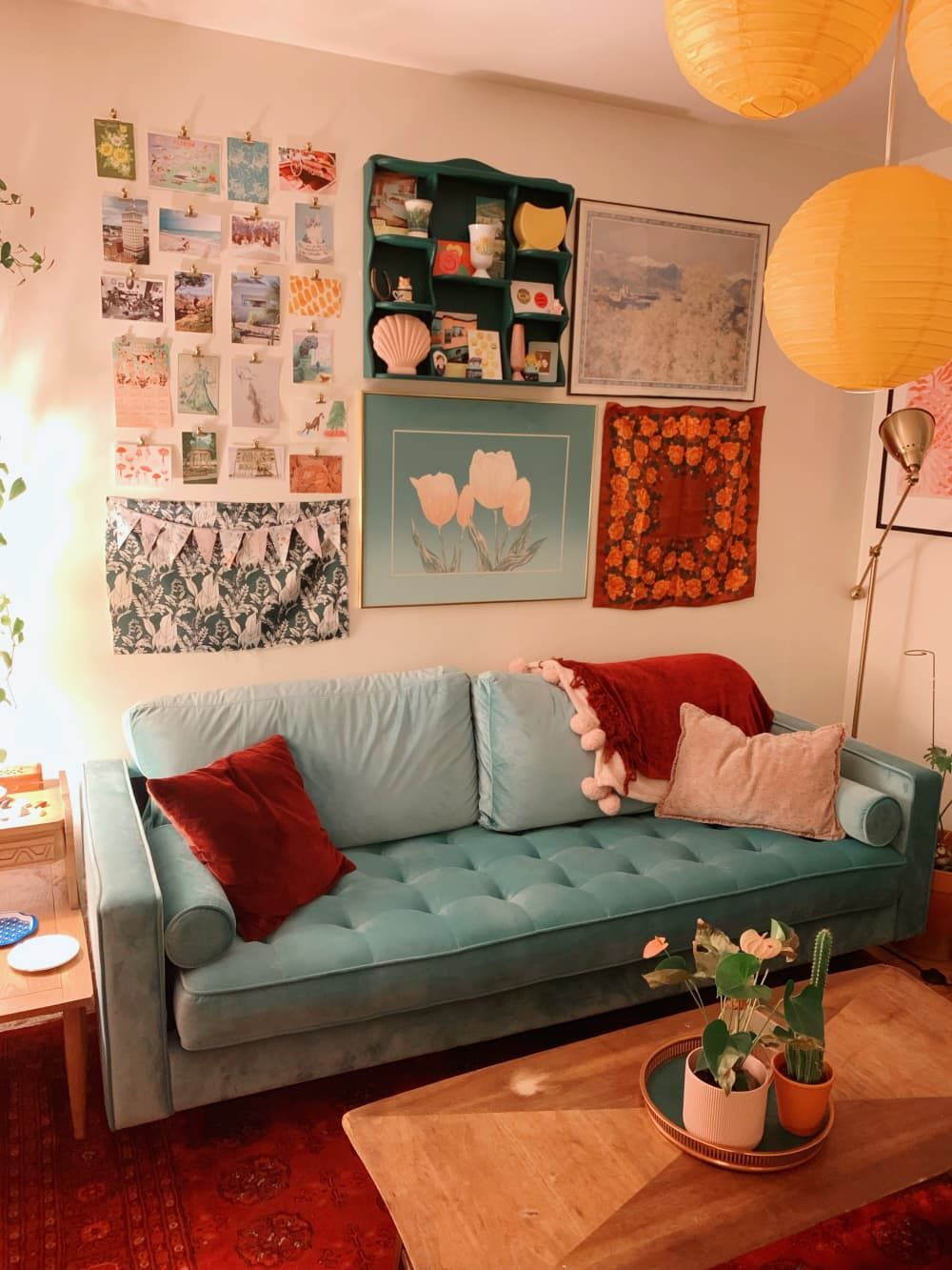 A Studio Apartment Didn T Come With A Kitchen So This Renter Turned A Closet Into One In 2020 Bachelor Apartments Studio Apartment Apartment