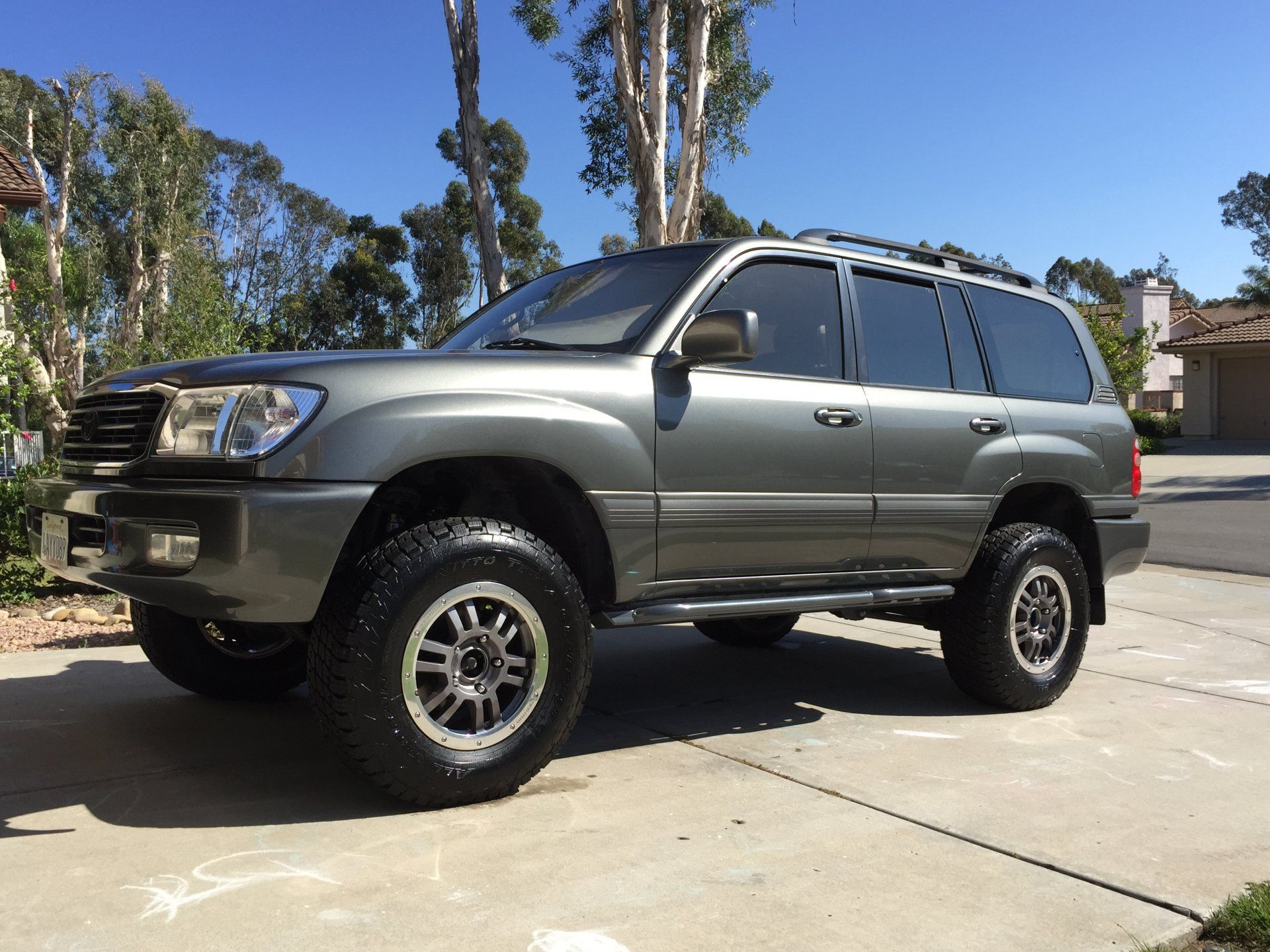 """100 Series with 17"""" TRD rock warrior wheels Toyota land"""