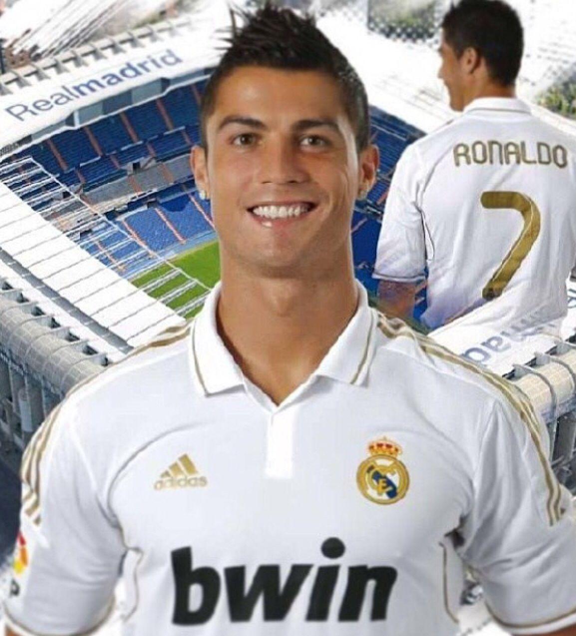 #cristiano #ronaldo #cristianoronaldo #soccer #flyemirates #cr7 #smile  #sexiestman