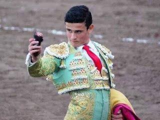 """Península Taurina   : """"El Galo"""" cortó una oreja en Tampico"""