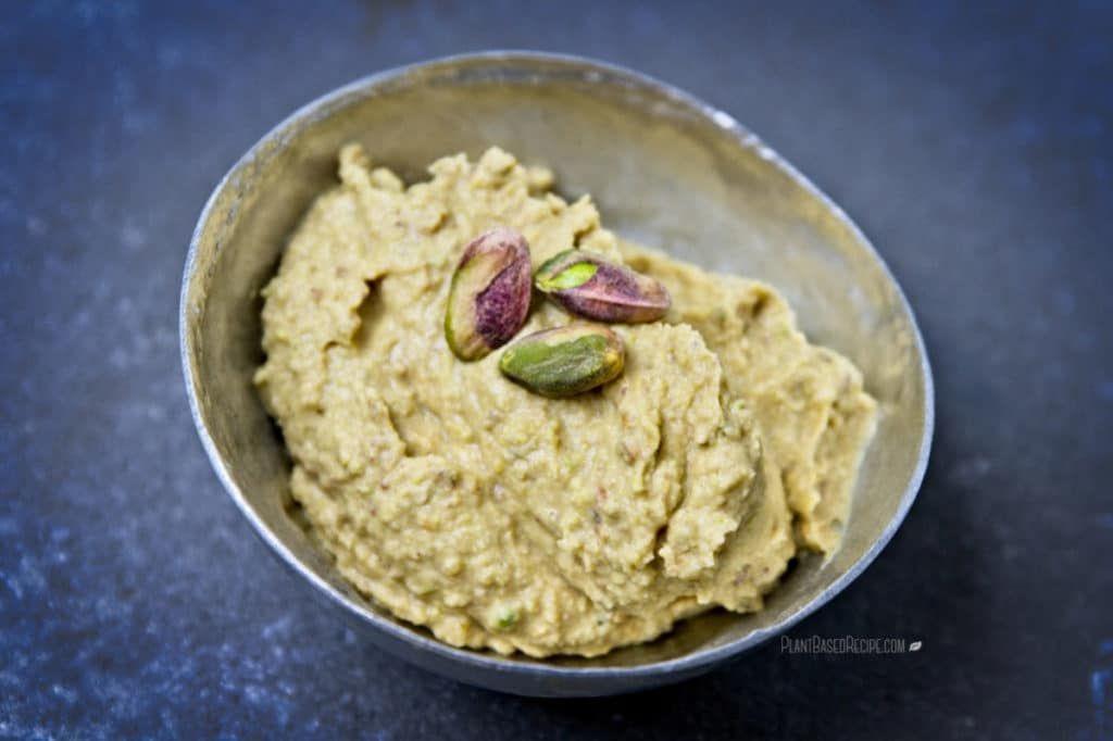 Maple Pistachio Dessert Hummus #desserthummus