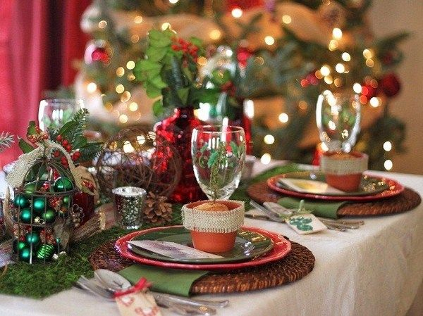 christmas table decor in country style - rattan moss clay burlap & christmas table decor in country style - rattan moss clay burlap ...