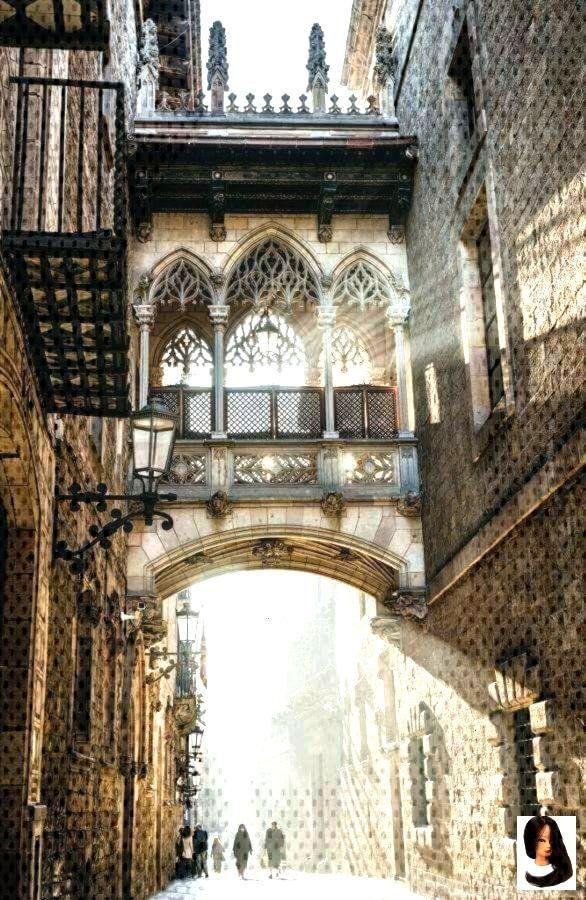 Gotisches Viertel, Barcelona, Spanien - Dress Models, Gotisches Viertel, Barcelona, Sp