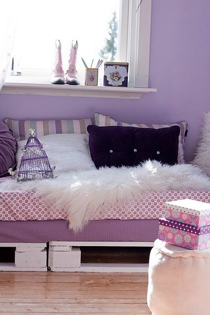 Pallet Bed Frame Really Cute Miss A Loves Purple Too With