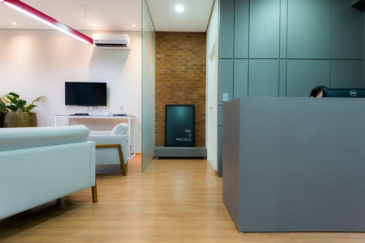 LM Investimentos office by Nada Igual Design, Uberlândia – Brazil