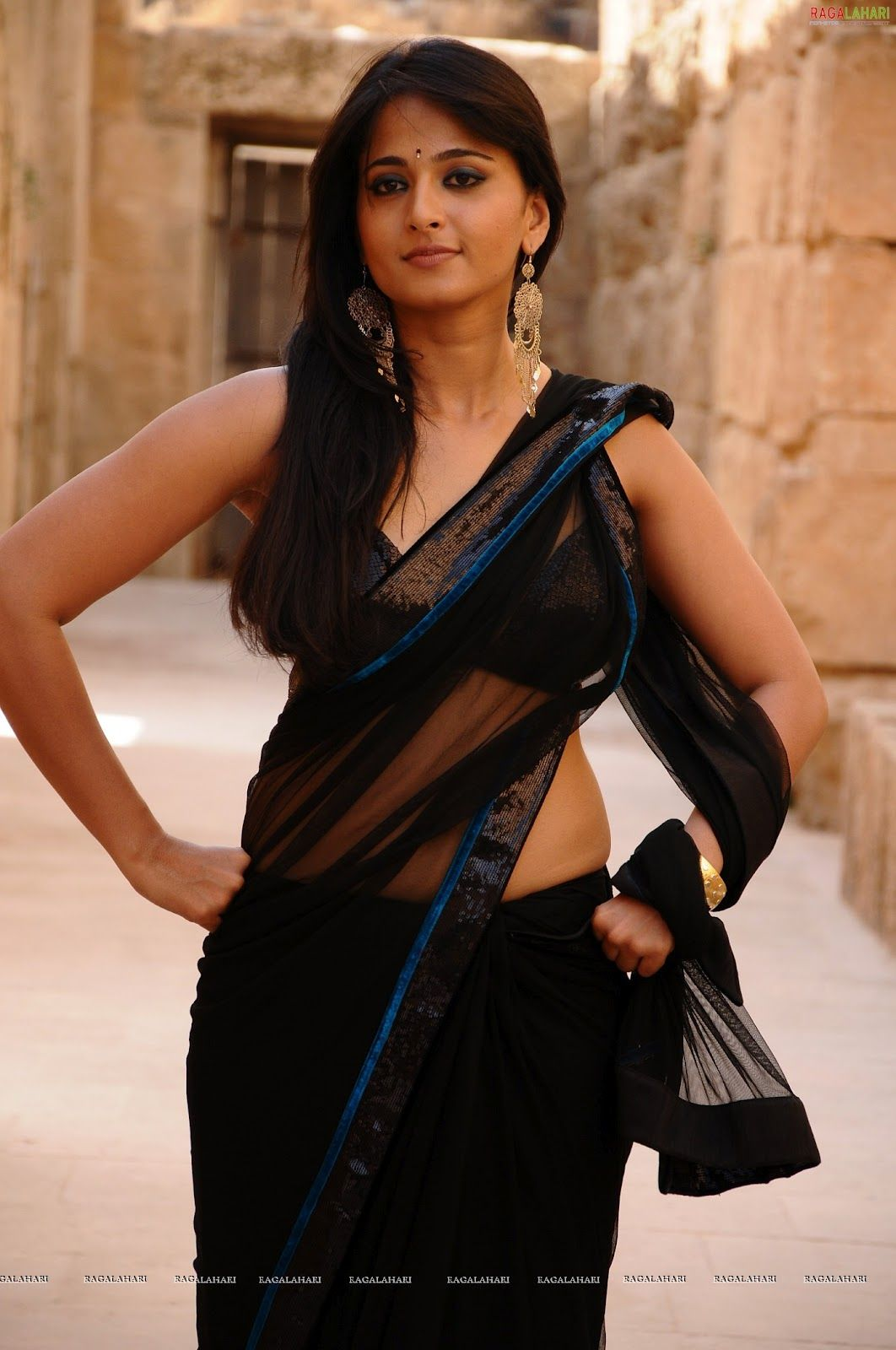 Anushka shetty in sleeveless saree and in bikini for the movie anushka shetty in sleeveless saree and in bikini for the movie ragada with nagarjuna she is very hot altavistaventures Gallery