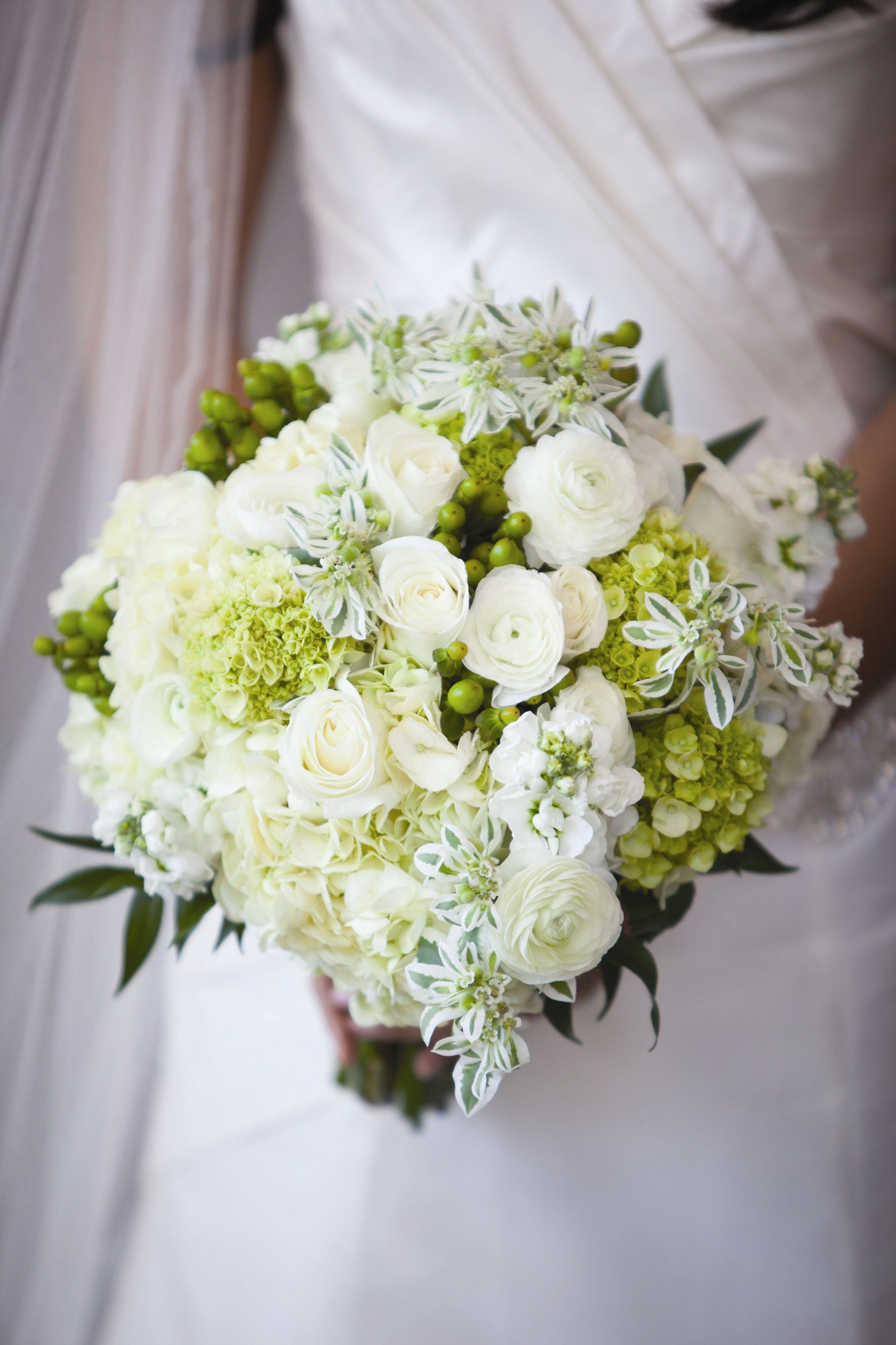 White Bridal Bouquet Freeland Photography Andrea K