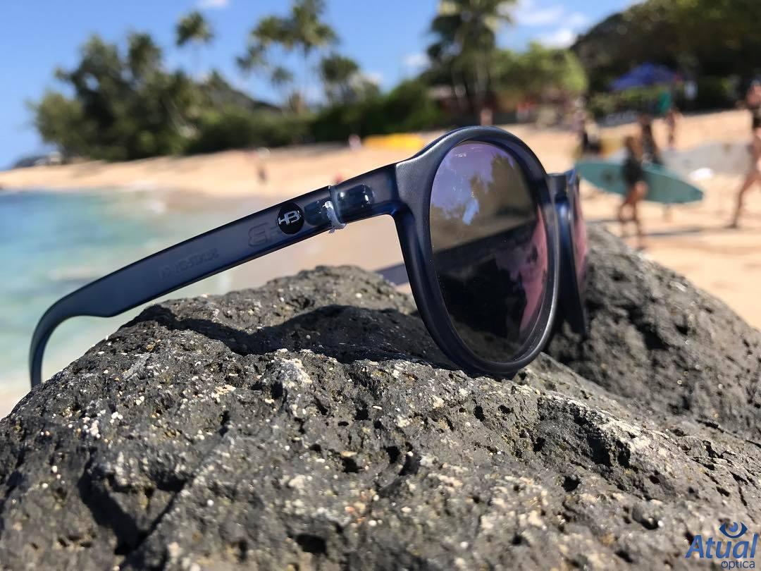 Pin de Atual Óptica em Óculos de Sol   Pinterest   Óculos de sol ... 3a5ca45476