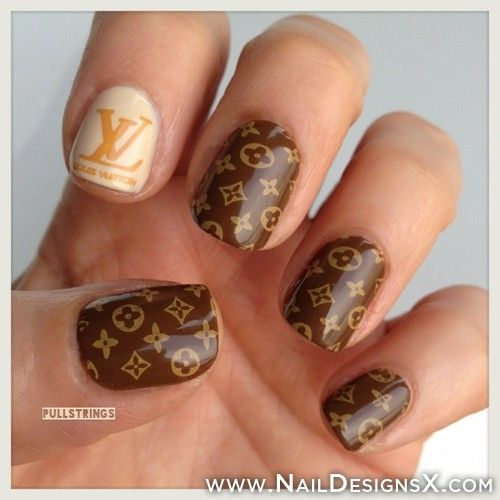 Lv Nail Art