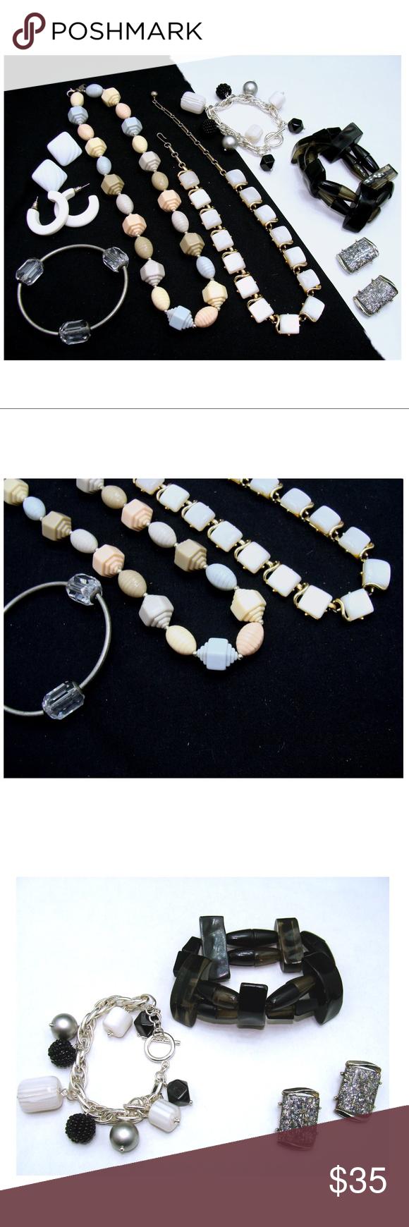 Vintage lot-futuristic lucite necklace bracelet