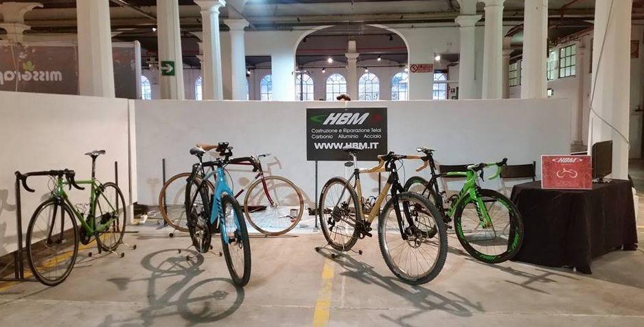 Hbm Bike Factory Stand Raggio Stile Di Vita A Pedali Spazio