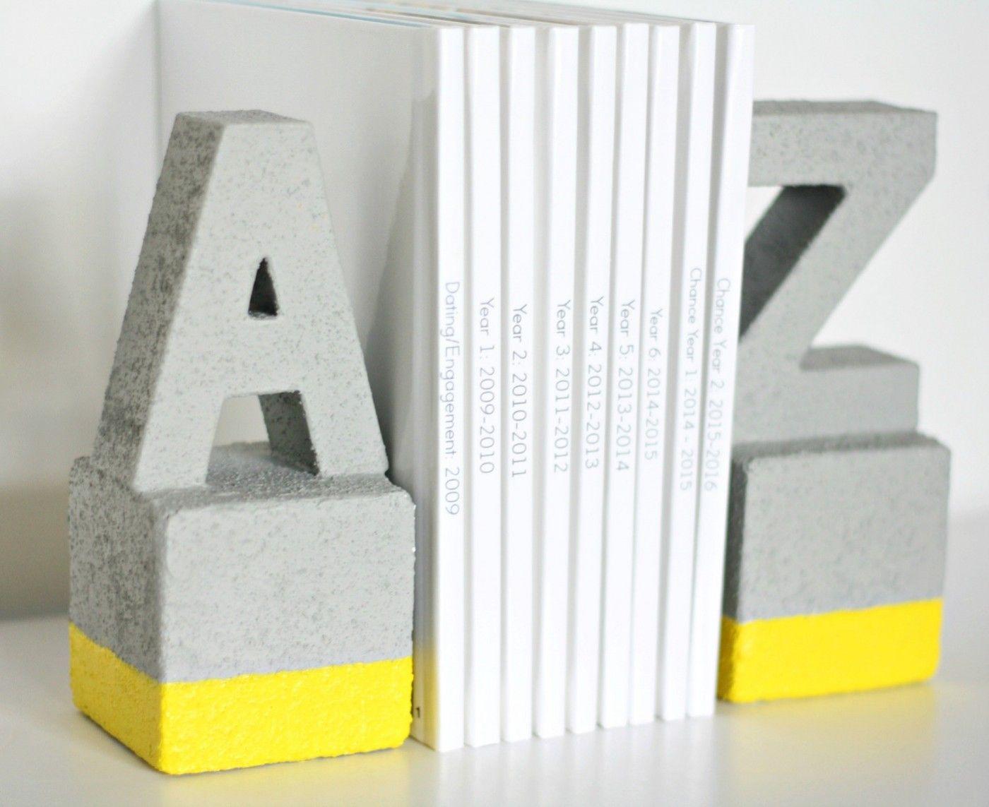 Faux Concrete Bookends You Won T Believe Diy Bookends Diy Book Bookends