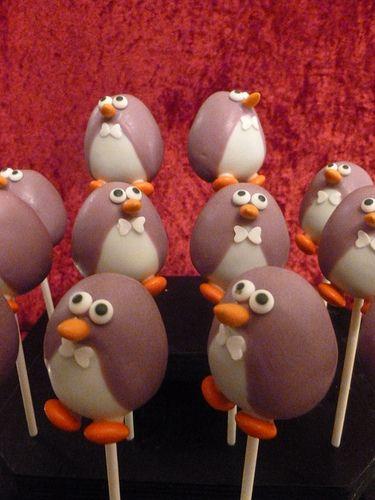 Penguin Cake Pops by FamilySweetery, via Flickr #penguin