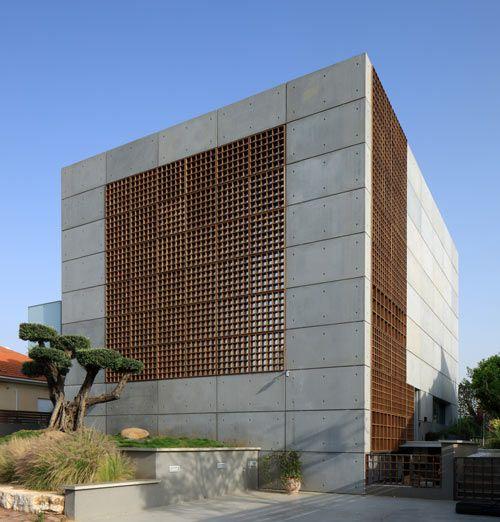 House With Pre Cast Concrete Panels By Auerbach Halevy Architects Architecture Facade Architecture Architect