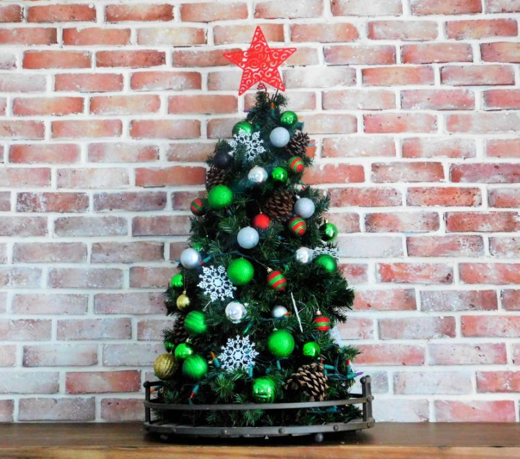 Christmas Trees Made From Tomato Cages: Cheap Christmas Trees, Diy